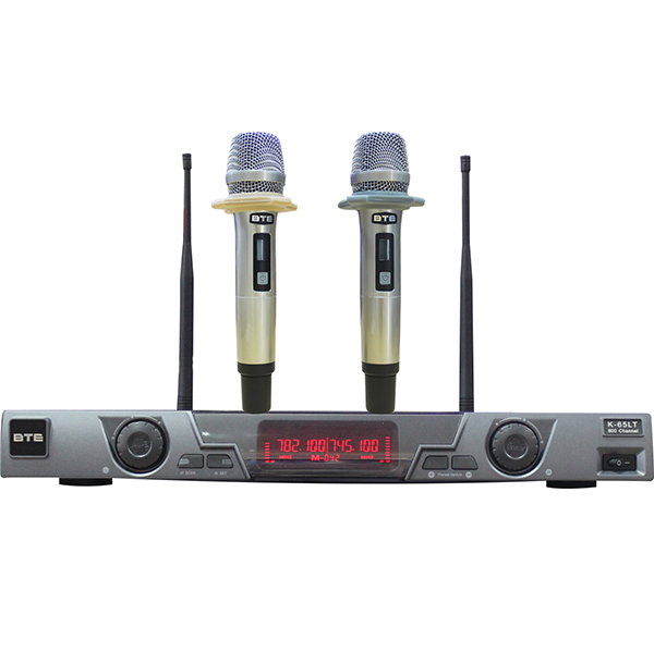 micro cho dan karaoke gia đình